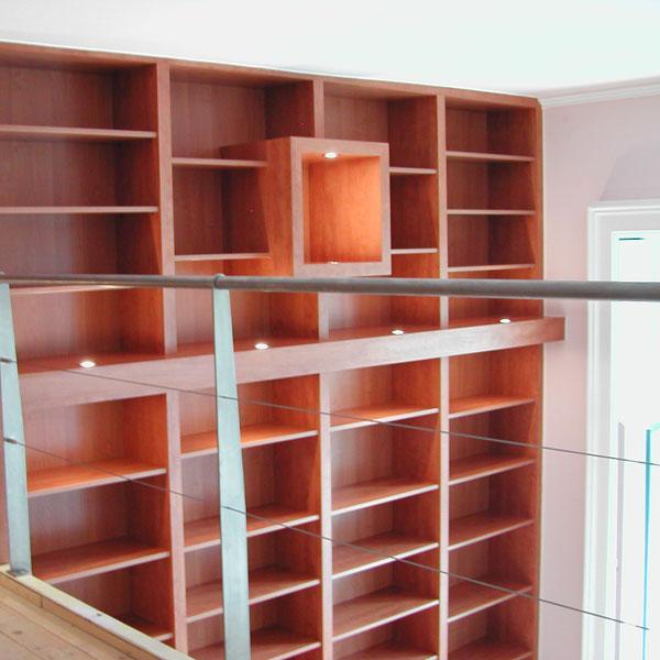 Témakör: Calvados színű nappali könyvespolc